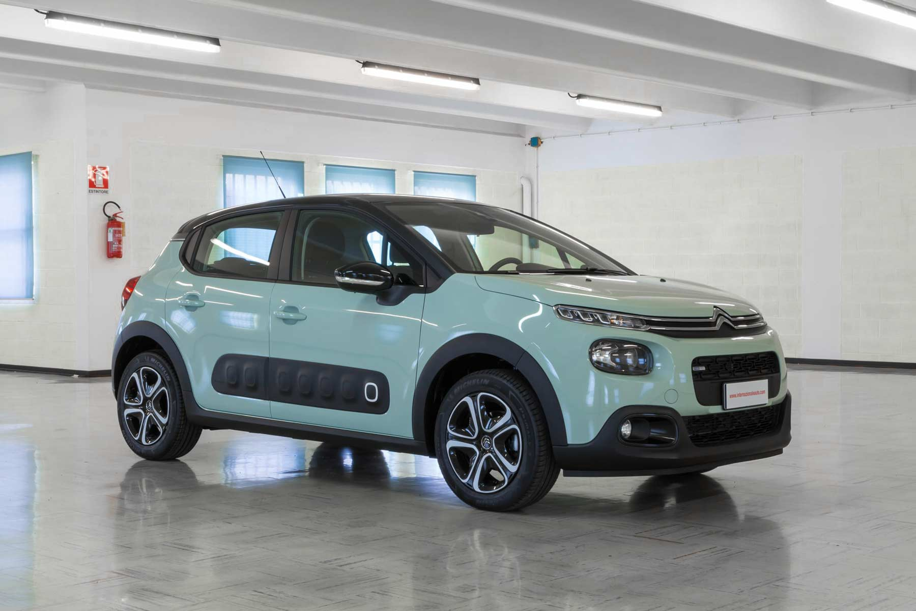 Citroen C3 Feel Verde Tetto Nero km0