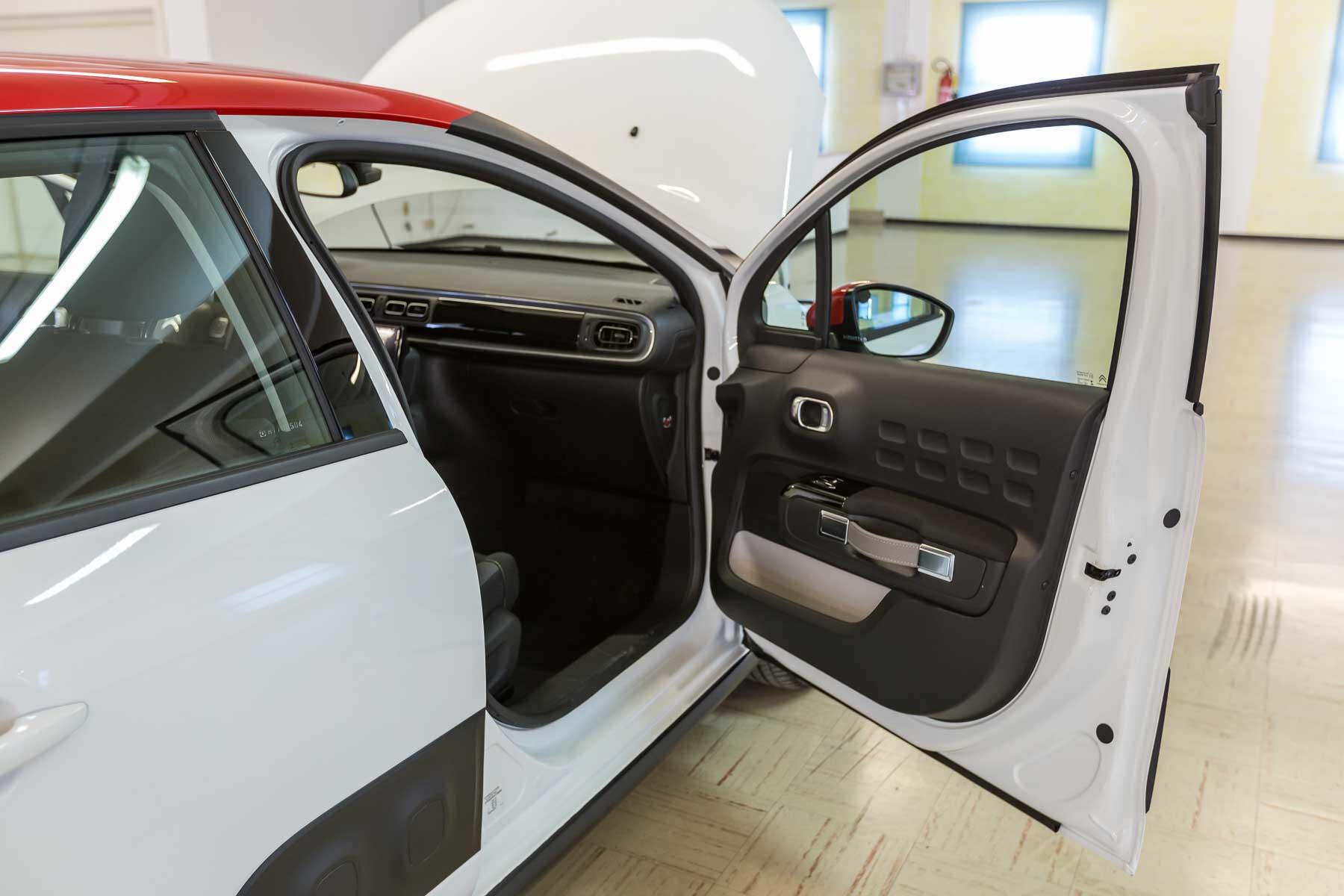 Citroen Interni C3 Shine Bianca Tetto Rosso Km0 Porte Anteriore