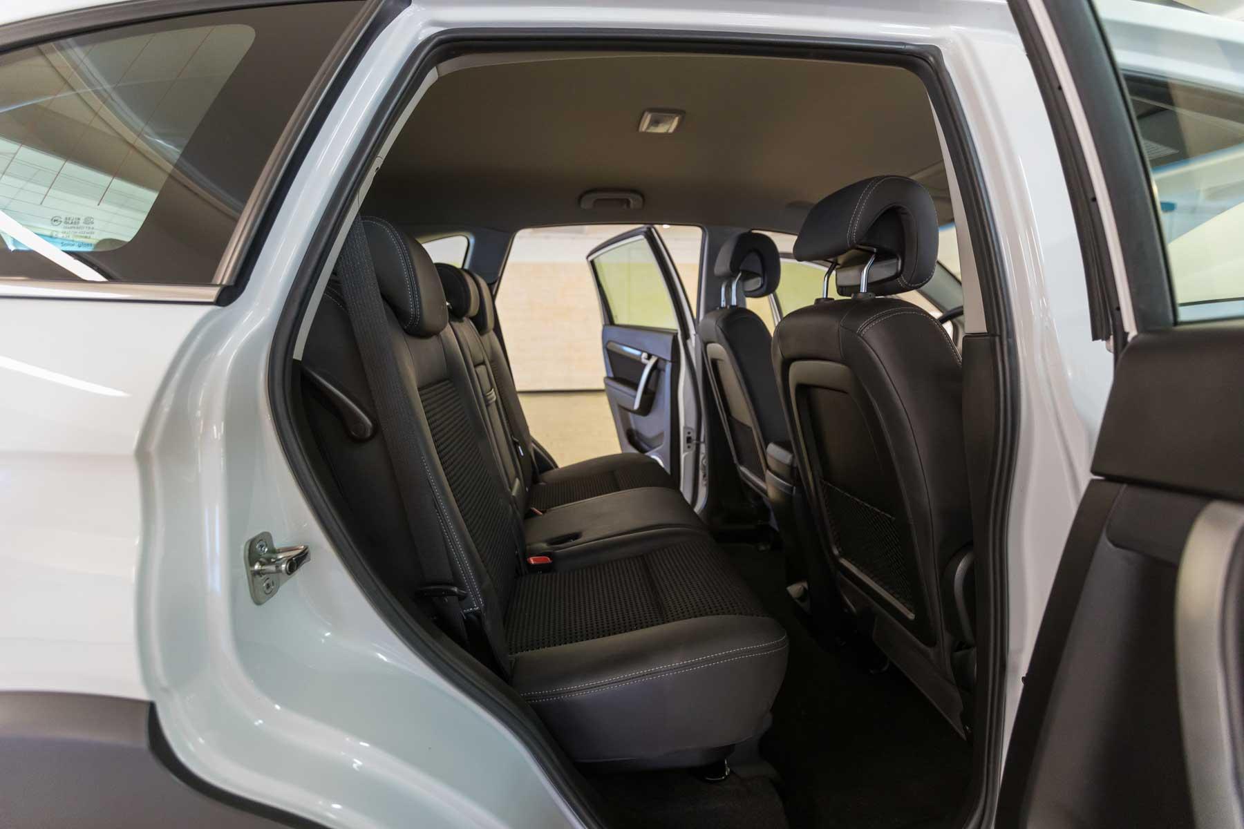 Chevrolet Interni Captiva Bianco 2wd Ls Usata Porta Posteriore