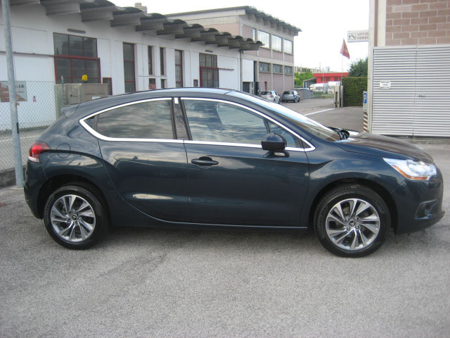 Citroen Ds4 Airdream So Chic Blu Usata Lato