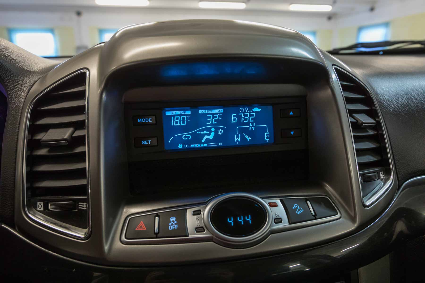 Chevrolet Interni Captiva Bianco 2wd Ls Usata Display