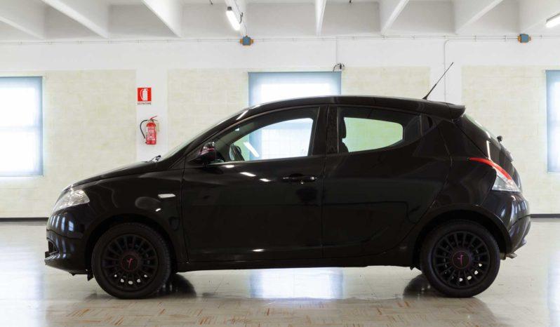 Lancia Ypsilon Nera Elefantino Usata Profilo