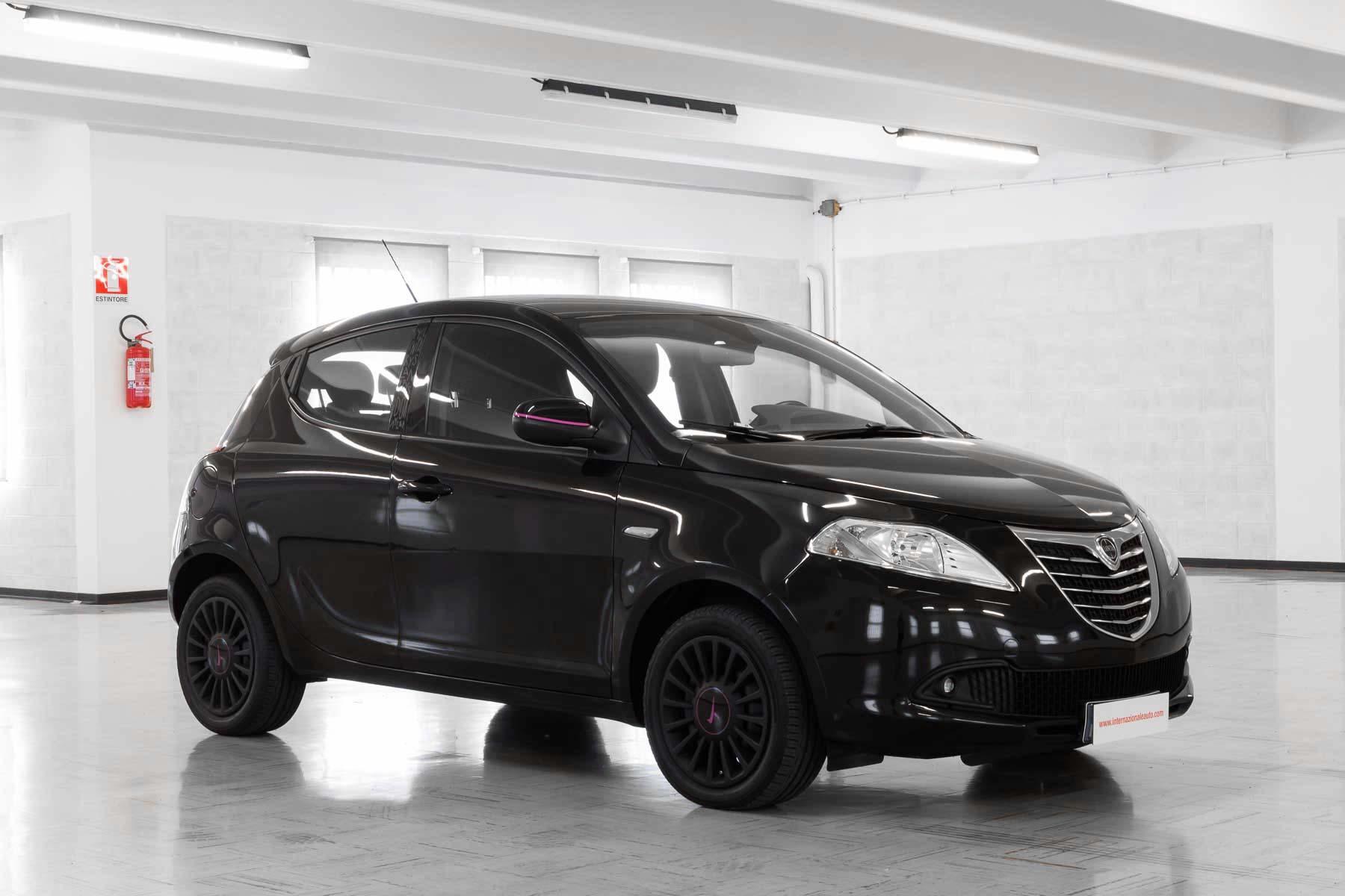 Lancia Ypsilon Nera Elefantino Usata Lato
